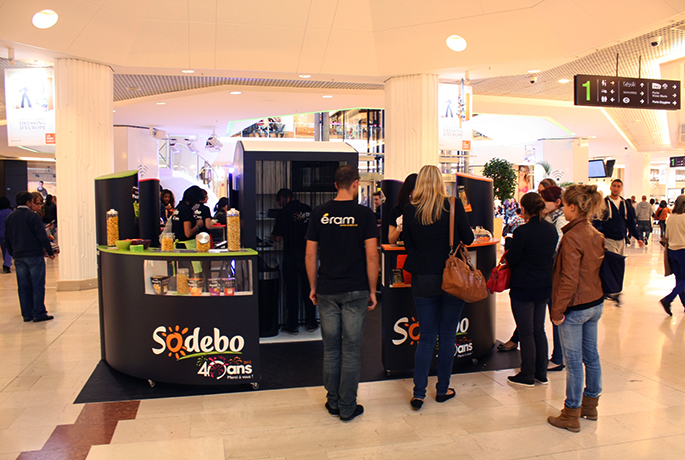 D gustation sodebo en malls strada marketing for Stand de degustation
